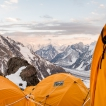 Nikony na druhé nejvyšší hoře světa