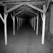 PAMĚTI NOCI – PRAHA 1983 / NIGHT MEMORIES – PRAGUE 1983 © PETER ŽUPNÍK: Padá omítka / Falling Plaster