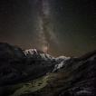 Pasterze (Rakouské Alpy) | Foto Václav Hýža | Panorama z 22 snímků. Krajina: 3 snímky + 1 DF. ISO 3 200, F2,8, 317 s. Hvězdy: 15 snímků + 3 DF. ISO 12 800, F2,8, 28 s