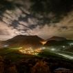 Soutěsky (Strážovské a Súlovské vrchy) | Foto Václav Hýža | Panorama složené ze 14 snímků. Krajina: 9 snímků + 3 DF, 3× EBKT (ISO 3 200, F4,5, 252, 73 a 13 s). Hvězdy: 1 snímek + 1 DF (ISO 12 800, F3,2, 13 s)