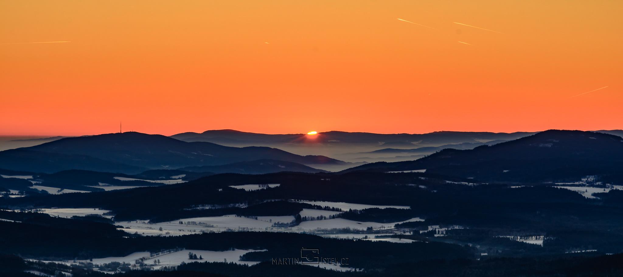 Východ slunce, rozhledna Boubín