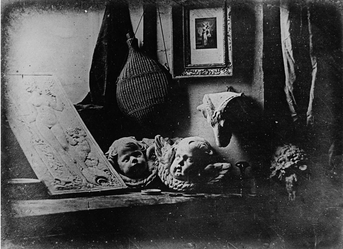 Nejstarší dochovaná daguerrotypie z roku 1837, autor: Louis Daguerre | Louis Daguerre [Public domain], via Wikimedia Commons