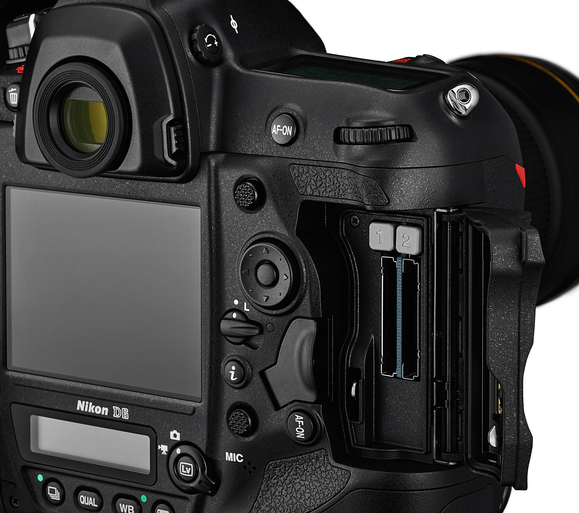 Sloty pro paměťové karty Nikonu D6