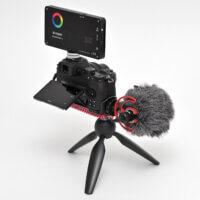 Světlo Fomei LED Mini RGB 12 na Nikon Z 50 Vlogger Kitu