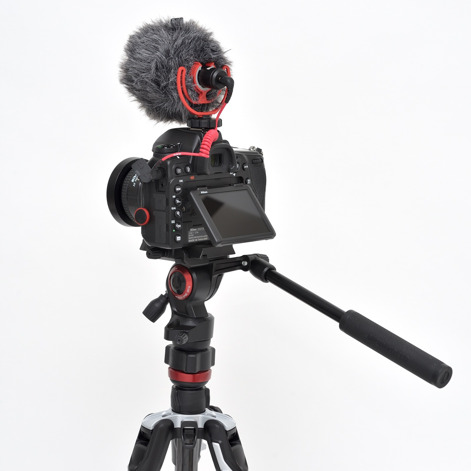 Nikon D780 na videostativu Manfrotto Befree Live Carbon fibre tripod twist