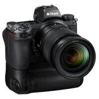 Nikon Z 6II s objektivem Nikkor Z 24–70 mm f/4 S a battery gripem MB-N11