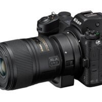 Nikon Z 6II s makroobjektivem nasazeným přes adaptér FTZ