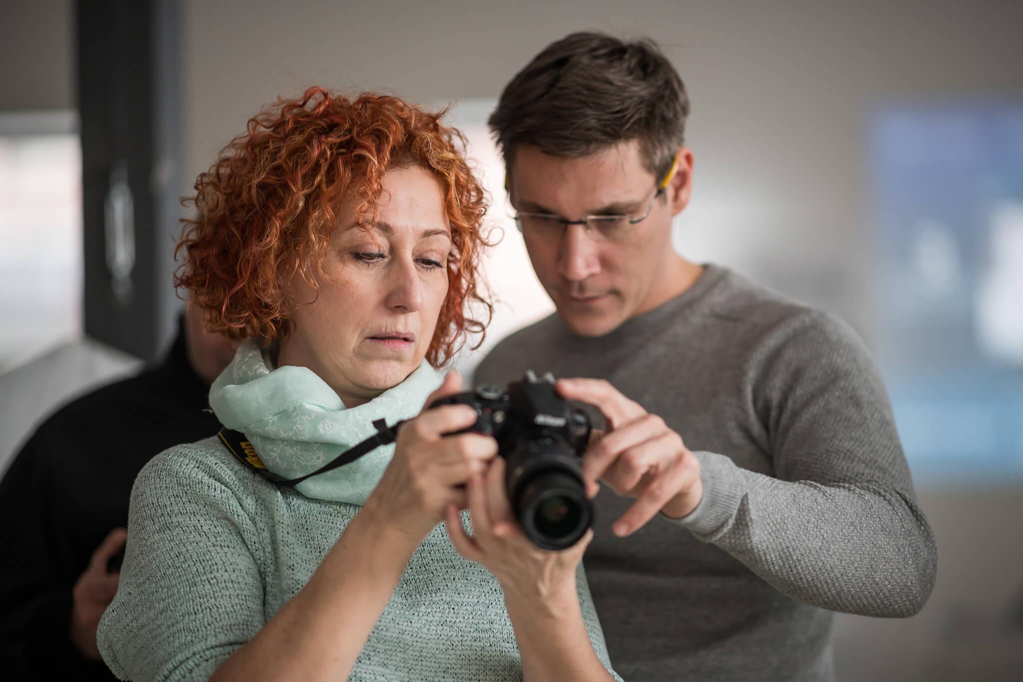Osobně se tentokrát na kurzu Nikon školy s Filipem Bartákem bohužel nebudete moci setkat, ale online kurzy budou jistě také super!