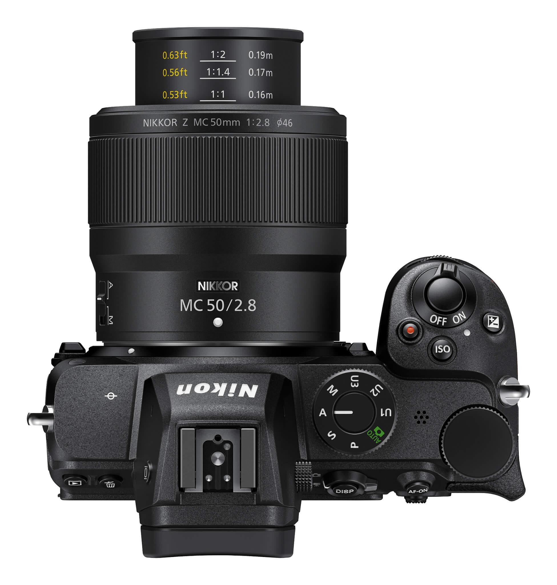 Nikkor Z MC 50 mm f/2,8 na těle Nikonu Z 5