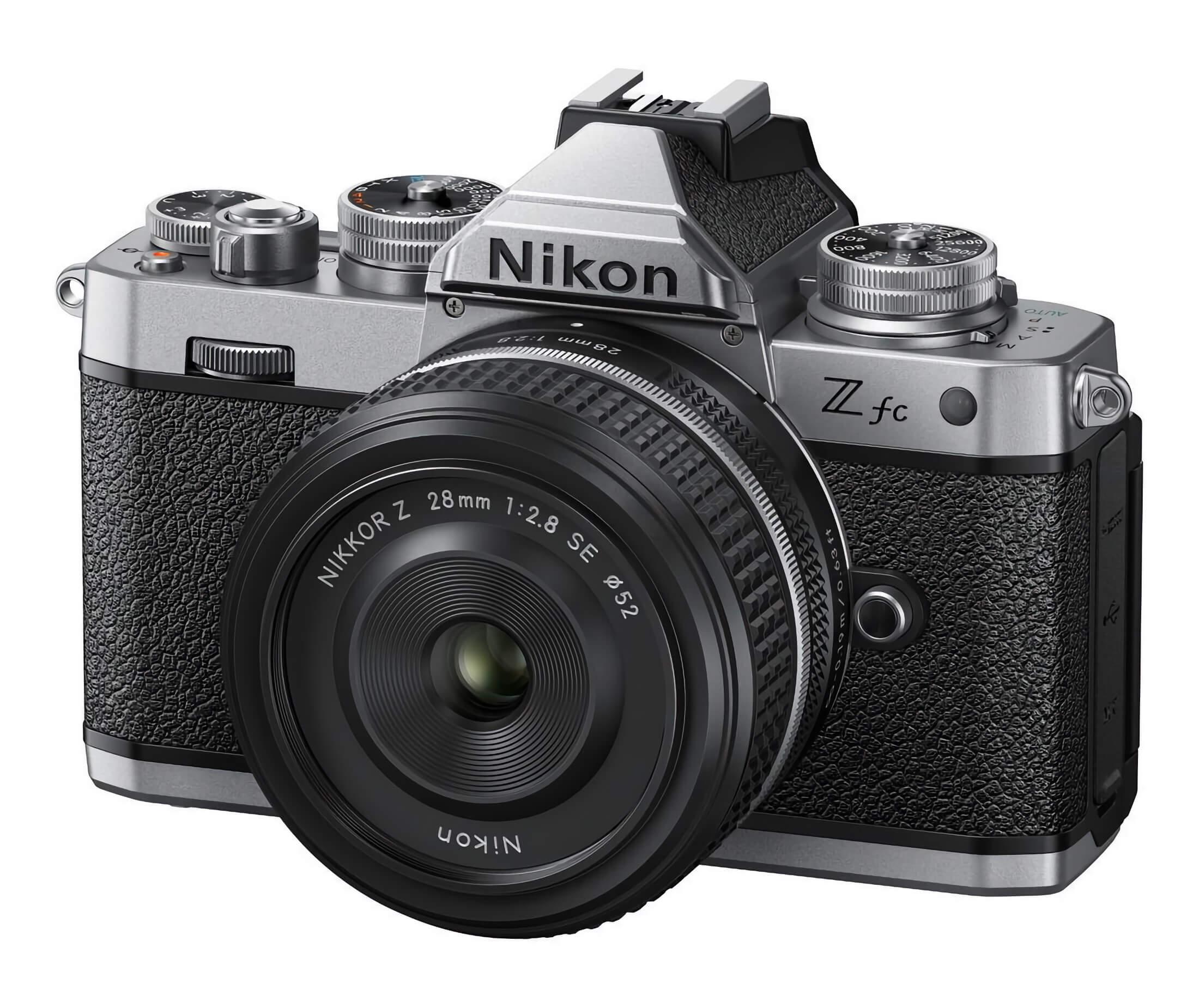Nikon Z fc s objektivem Nikkor Z 28 mm f/2,8 SE