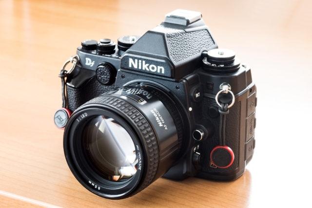 AF Nikkor 85 mm F1,8D na těle Nikon Df