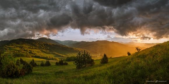 JSEM | Fotka měsíce Nikonblogu – květen 2016 / Spring rain on Folkmarske sedlo / Foto Dalibor Papcun