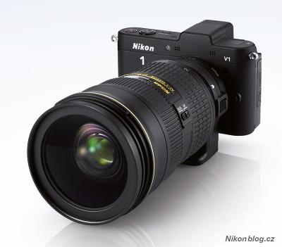 Nikon 1 V1 s DX objektivem nasazeným přes adaptér FT1