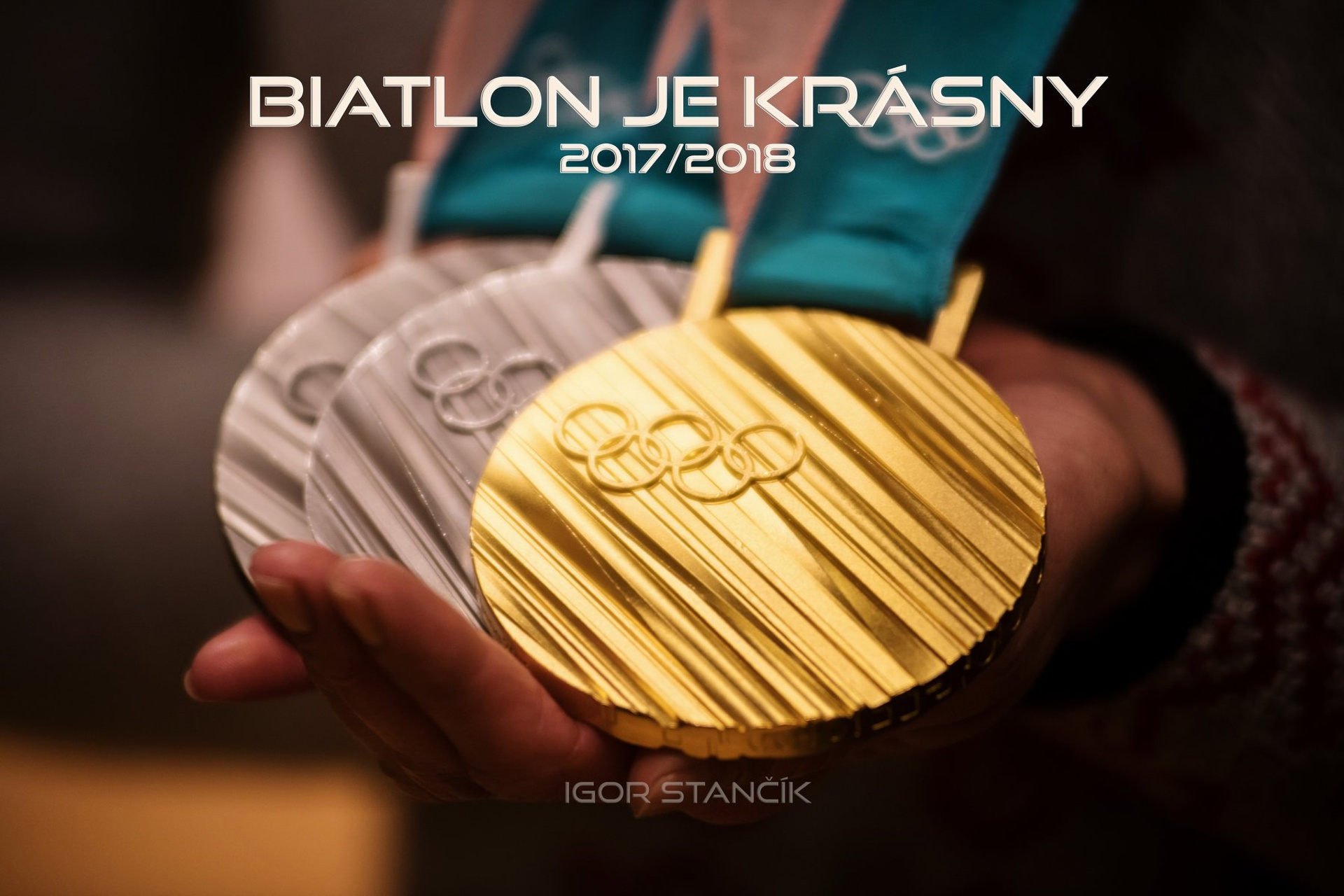 Titulní strana knihy Biatlon je krásny s fotografiemi Igora Stančíka