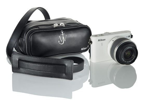 Brašna na Nikon 1 od J. W. Andersona
