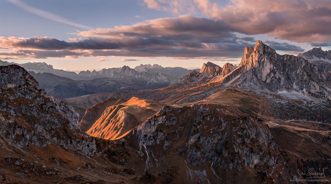 Cestou necestou | Panorama složené ze 39 fotografií (13 expozic plošně ve dvou řadách + 3* expoziční bracketing) | Nikon D500 | Foto Jan Šmíd