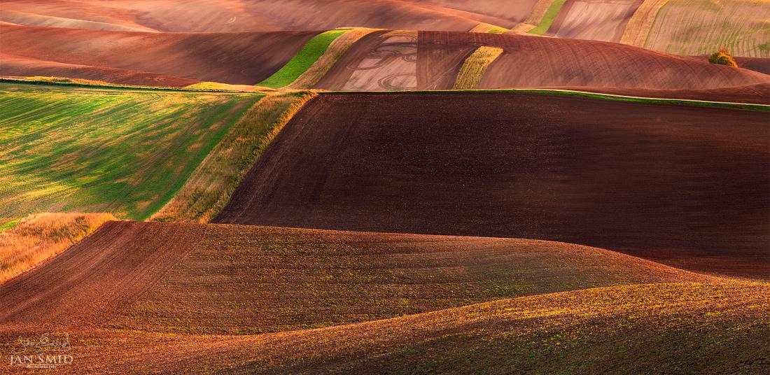 Podpis traktoristy Cipriana (panorama složené ze 7 fotografií; 7 plošně v jedné řadě) | Foto Jan Šmíd