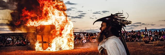 Trojitý Hořící muž. Rozhovor s Markem Musilem o fotografování tří festivalů Burning man