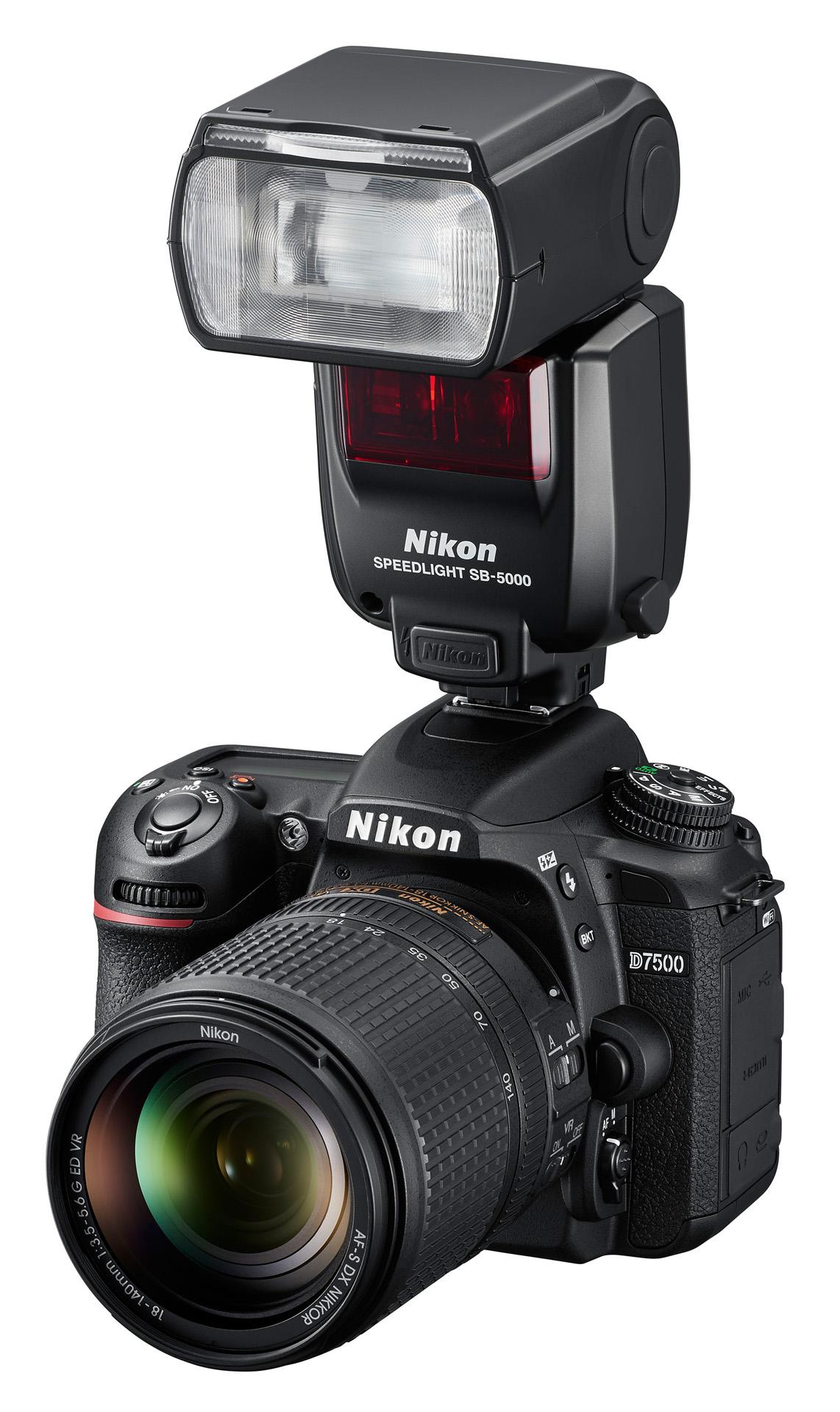 Nikon Speedlight SB-5000 na těle Nikonu D7500