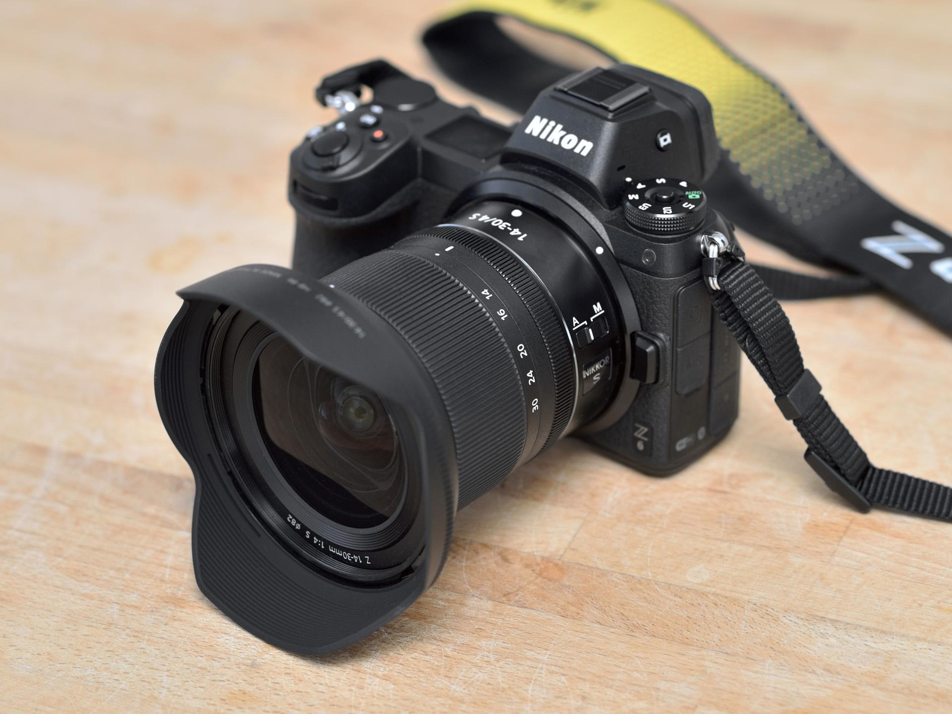 Nikkor Z 14–30 mm f/4 S na Nikonu Z6 – naživo