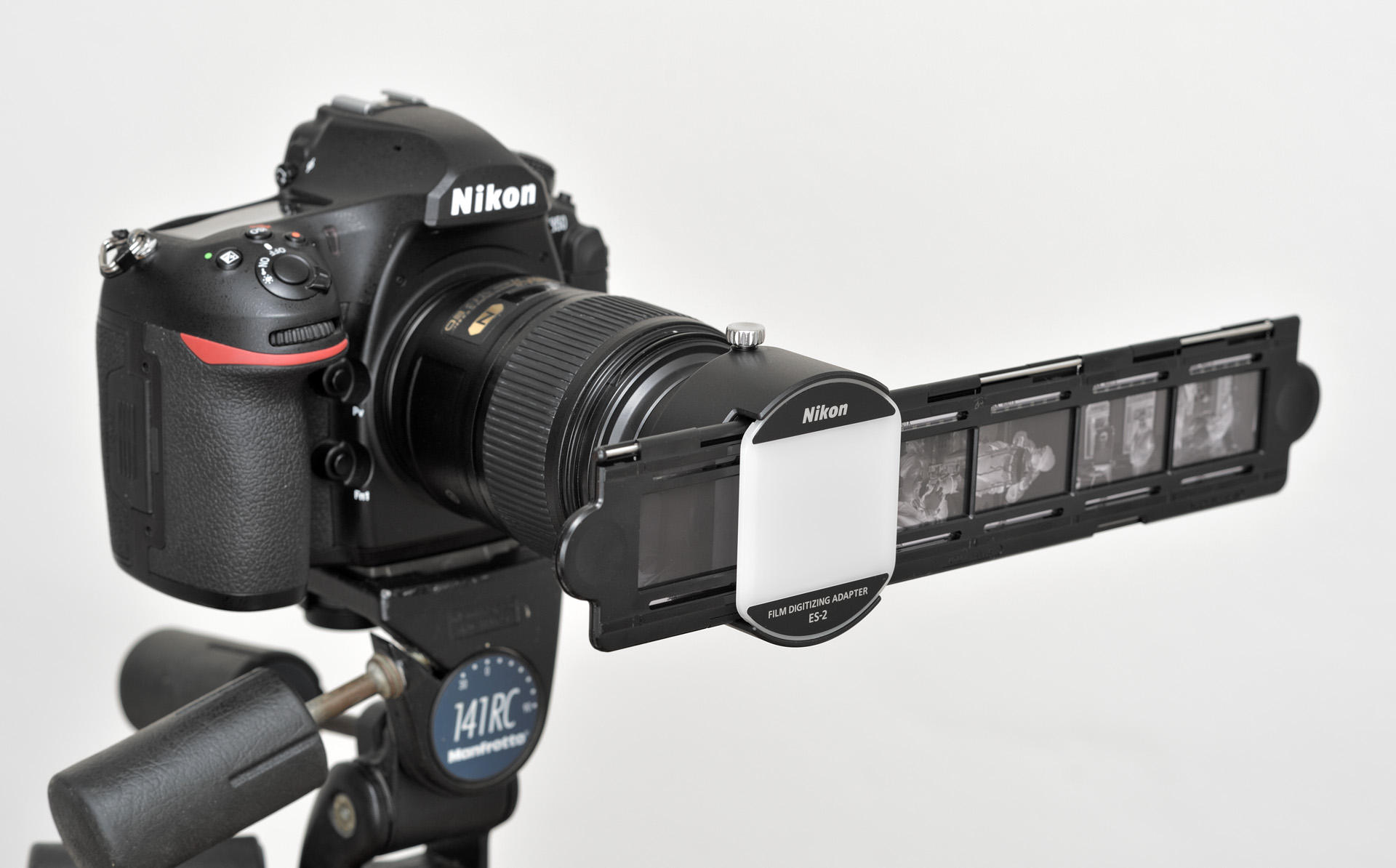 Nikon ES-2 s držákem filmového proužku