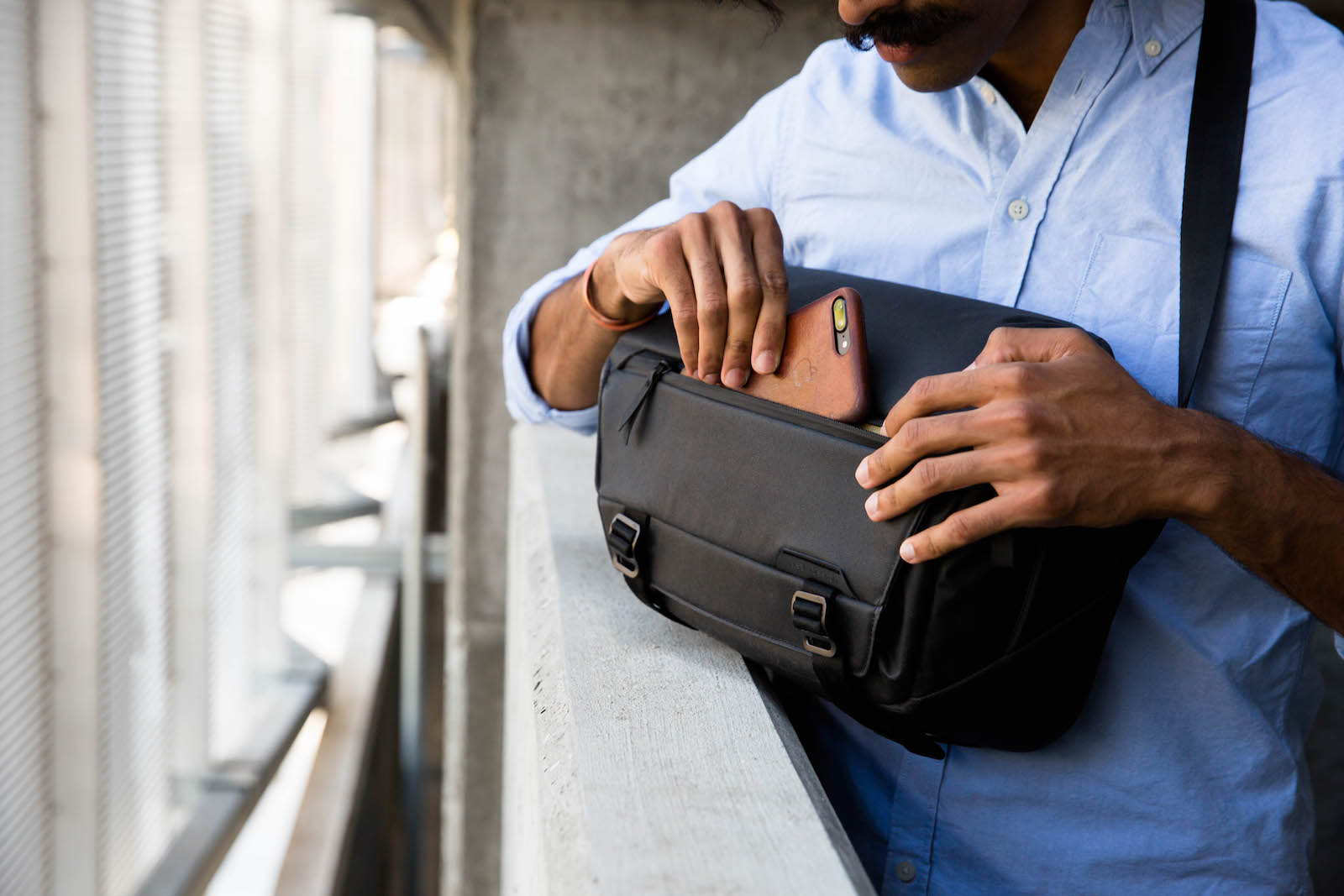 Peak Design Everyday Sling Black