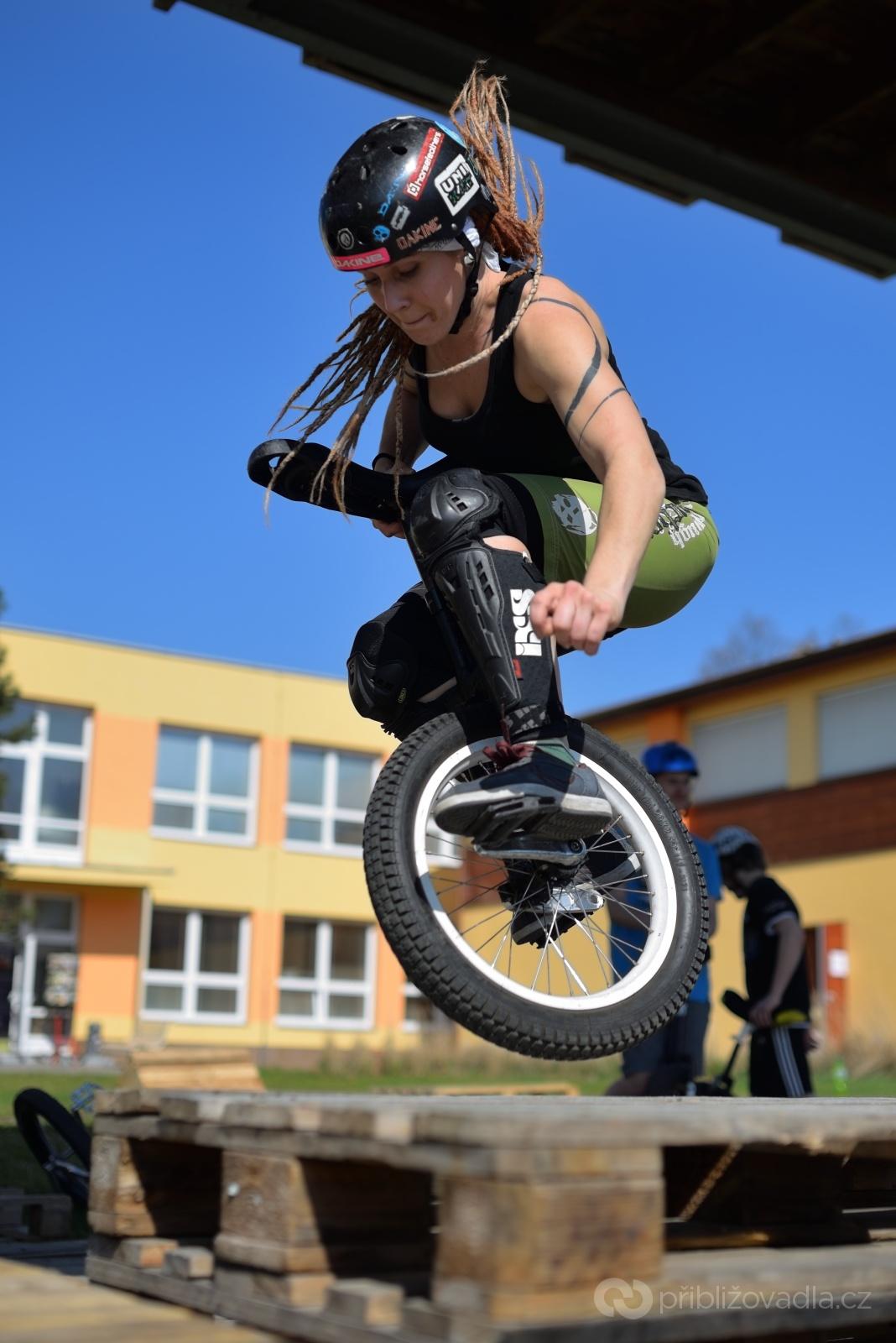 Fotíte-li akční sporty, je téměř nutností znát pravidla a vůbec konkrétní sport. Jen tak můžete alespoň částečně předvídat pohyb